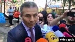 В кулуарах говорят, что Иванишвили намерен к выборам 2020 года существенно обновить состав партии