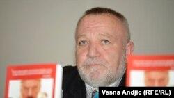 Duško Tomić na promociji, foto: Vesna Anđić