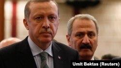 Erdoğan və keçmiş iqtisadiyyat naziri Zafer Çağlayan 2013-cü ildə