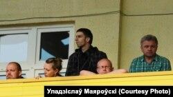 """Уладзіслаў Маяроўскі (другі справа) у """"віп-ложы"""""""