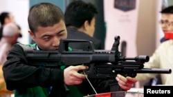 Кытайдагы курал көргөзмө. 21-апрель, 2010-жыл.