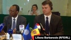Abdoulaye Seck (stânga)