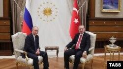Президент России Владимир Путин (слева) и президент Турции Реджеп Тайип Эрдоган. Анкара, 28 сентября 2017 года.