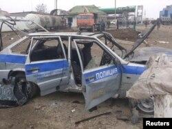 """14 февраля 2013 года, последствия теракта у полицейского поста на окраине Хасавюрта, в результате взрыва, совершенного смертником, погибли четверо полицейских. Один из самых крупных терактов в Дагестане в 2018 году произошел 18 февраля в Кизляре, на праздновании Масленицы. 22-летний Халил Халилов начал стрелять по людям из охотничьего ружья. В результате погибли 4 человека, включая застреленного Халилова, одна из раненых позже скончалась в больнице. Ответственность за теракт взяла на себя группировка """"Исламское государство"""""""