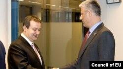 Ivica Daçiq dhe Hashim Thaç gjatë takimit të 27 janarit