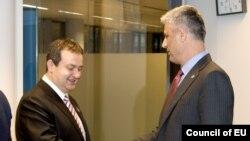 Премиерите на Србија и на Косово Ивица Дачиќ и Хашим Тачи