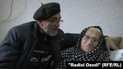Сафар Хакдодов поздравляет актрису с юбилеем