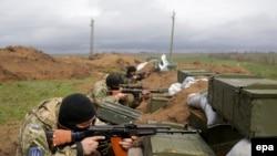 Ukrayna hərbçiləri Mariupol yaxınlığında