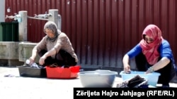 Migrantët në qendrën transitore në Tabanovc, Maqedoni