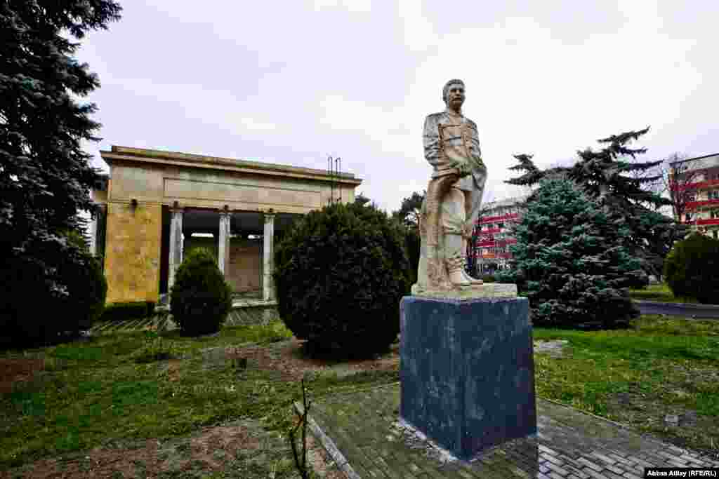 Gürcüstanın Qori şəhərində Sovetlərin böyük lideri Joseph Stalin-in (İosif Stalin) ev müzeyi.
