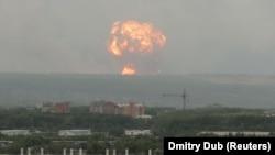 Velike eksplozije u skladištu granata u Sibiru