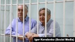 Өмүрбек Текебаев менен Дүйшөнкул Чотонов. 11-август, 2017-жыл.