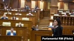 Premierul Maia Sandu în Parlament, 8 noiembrie 2019.