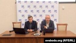 Уладзімер Лабковіч (зьлева) і Алег Гулак