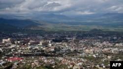 Вид с воздуха на Степанакерт - столицу непризнанной Нагорно-Карабахской Республики