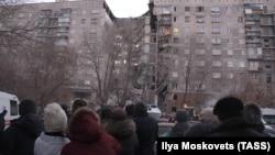 Наслідки вибуху в Магнітогорську. За попередньою інформацією, вибух спричинив побутовий газ