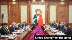 چین و پاکستان روابط نزدیک دارند و هیئتهای هر دو کشور همواره با هم دیدار میکنند.