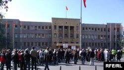 Архива-Протест на работинци пред Собрание