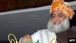 Maulana Fazlur Rahman, head of the country's largest religious party, Jamiat Ulema-e-Islam Fazal (file photo)