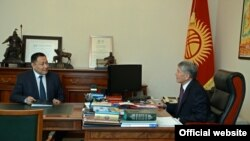 Улан Исроилов дар мулоқоти президент Алмосбек Отамбоев