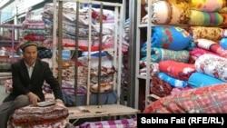 În bazarul de la Kashgar