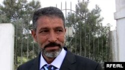 Mirza Sakit after his release in Baku on April 9