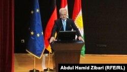 وزير النقل الإتحادي الألماني بيتر رامساور يتحدث في المنتدى الإقتصادي الألماني- الكردستاني في أربيل