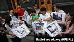 Акція протесту журналістів з нагоди річниці закону «Про доступ до публічної інформації», 2012 рік
