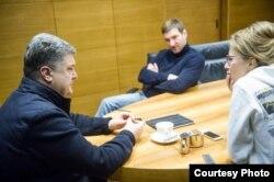 Антон Красовский и Ксения Собчак с президентом Украины Петром Порошенко