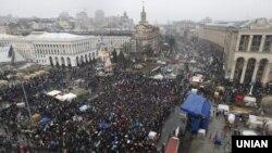 Акция сторонников евроинтеграции Украины на Майдане Незалежности. Киев, 12 января 2014 года.