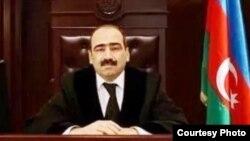 Обвиняемый в мошенничестве судья Бакинского суда по тяжким преступлениям Гасан Алиев