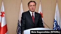 Президент Парламентской ассамблеи ОБСЕ Ранко Кривокапич пообещал не только организовать мониторинг предстоящих выборов, но и финансировать возвращение миссии ОБСЕ в Грузию