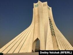 Монумент Свободы (бывший памятник 2500-летия персидской империи)
