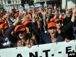 Yunanıstan paytaxtı Afinada hökumətin kütləvi ixtisar planları etirazlar, 20 oktyabr 2011
