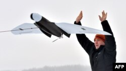 Запуск беспилотного летального аппарата Spectator-M, архивное фото