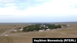 Село в Жанакорганском районе Кызылординской области. Июль 2012 года.