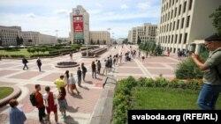 Черга громадян Білорусі зі скаргами до ЦВК, Мінськ, 15 липня 2020 року