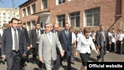 Nagorno-Karabakh -- President of Armenia Serzh Sarkisian visits a renovated school in Stepanakert, 29Aug2010