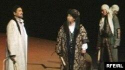 """Спектакль """"Абай"""" на сцене драматического театра имени Сейфуллина в Караганде. Иллюстративное фото."""
