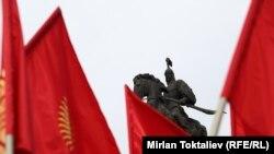 Борбордук аянт мамлекеттик туу күнүндө. Бишкек, 4-март, 2013