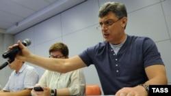 Борис Немцов на заседании КСО в Москве 18 мая