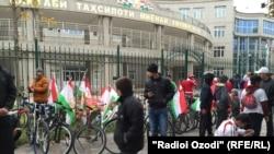 Раҳпаймоии ҳазорҳо нафар дар Рӯзи парчами миллӣ дар Душанбе