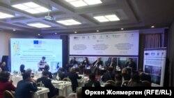 Участники конференции по защите прав заключенных — лиц из категории граждан, недостаточно защищенных в социальном плане. Астана, 6 декабря 2018 года.
