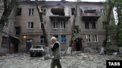 Украина шарқидаги Донецк кўчаларидан бирида.