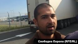 Атанас Михов е единственият от тримата осъдени, който влезе в затвора заради своя предишна условна присъда, чийто изпитателен срок не е изтекъл към момента на второто му осъждане