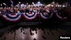 Сторонники Барака Обамы празднуют его победу. Чикаго, 6 ноября 2012 года.