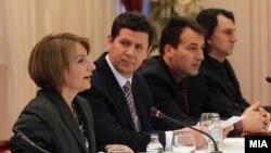 Дијалог ЗНМ-Влада