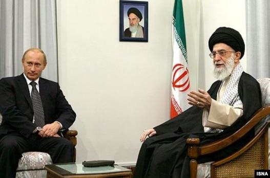 دیدار ولادیمیر پوتین با رهبر جمهوری اسلامی در مهرماه  سال ۸۶