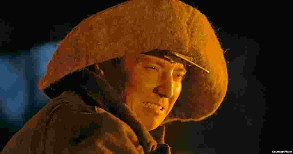 12 декабря в Алматы презентовали два художественных фильма о Нурсултане Назарбаеве продолжительностью три часа, входящих в киноэпопею «Путь лидера». Картины «Огненная река» и «Железная гора» — продолжение фильма «Небо моего детства», вышедшего в 2011 году.