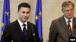 Премиерот Никола Груевски и комесарот за проширување Оли Рен при последната посета на Брисел